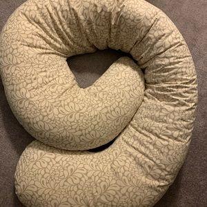 Leachco pregnancy pillow